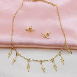 Collar cadena con varios dijes de rayo (Set collar y aretes)