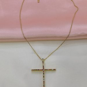 Collar con dije de cruz grande con cristales de colores (Medida del dije 5 x 3.5 cm)