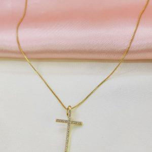 Collar con dije de cruz pequeña con cristales (Medida del dije 3 x 1.5 cm)